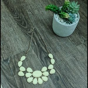 Gorgeous cream statement necklace